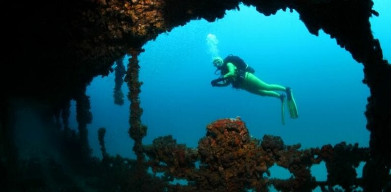 5 of the Best Wreck Sites in the Americas