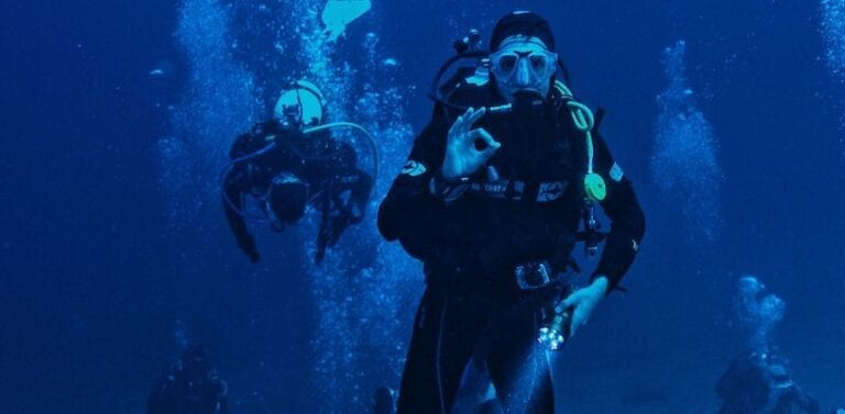 Essential Tips for First-Time Night Divers in Panama